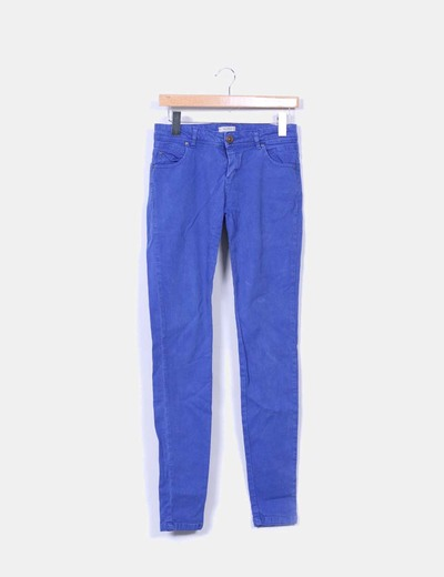 Pantalón azul klein efecto desgastado Pull&Bear