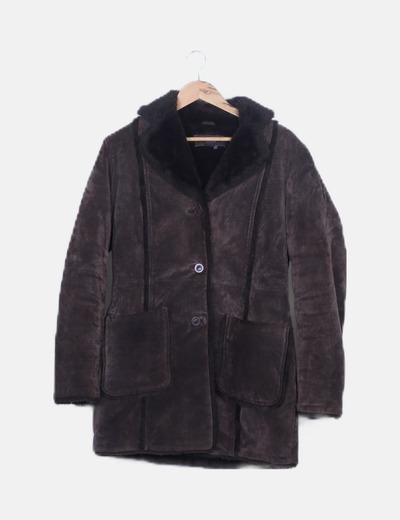 Abrigo marrón de piel doble faz