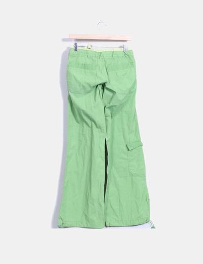 Pantalon deportivo verde wide leg