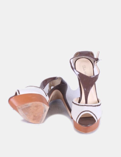 Sandalia beige y marron con plataforma
