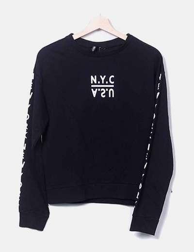 Estampado de t-shirt preta H&M