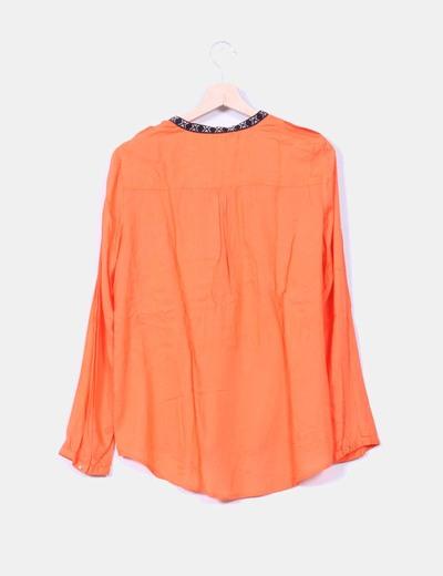 Blusa naranja estampado etnico