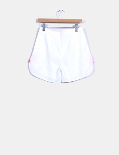 Shorts fluido blanco laterales fluor
