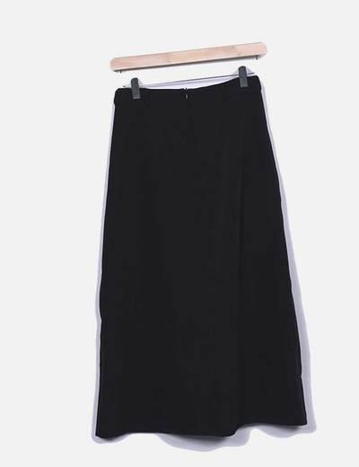 Falda negra midi asimetrica