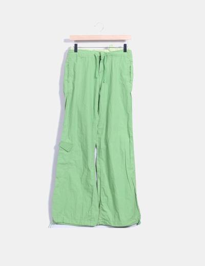 Pantalón deportivo verde wide leg Stradivarius