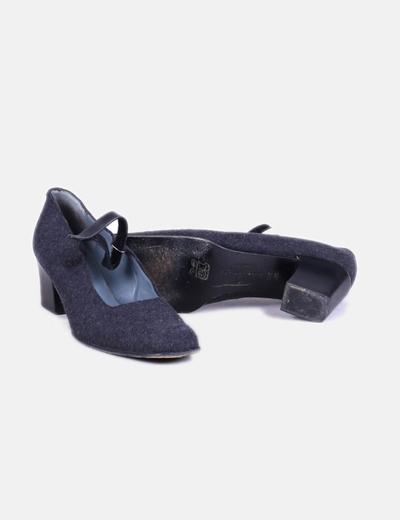 Zapato de tacon gris textura