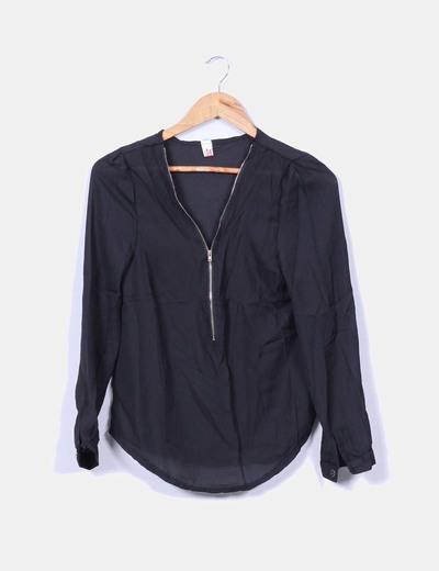 Blusa negra semitransparente cremallera MEC CIE