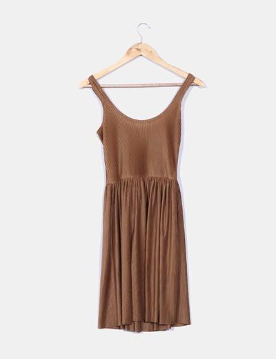 Vestido marron plisado