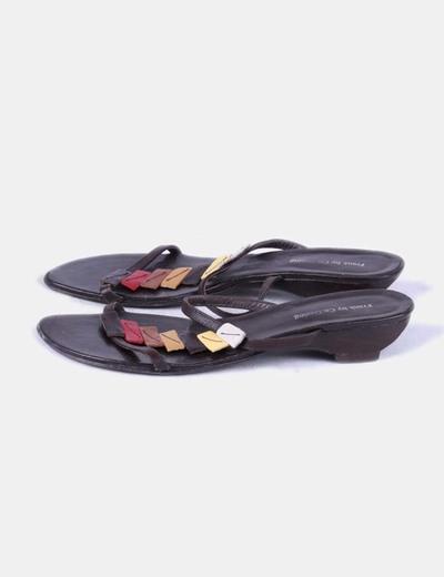Sandalia tiras de colores marrón