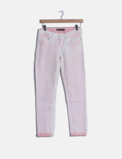 Jeans rosa efecto deslavado