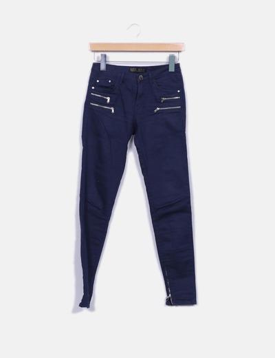 Jeans denim pitillo azul marino