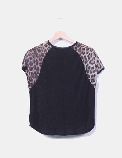 Blusa combinada animal print con encaje