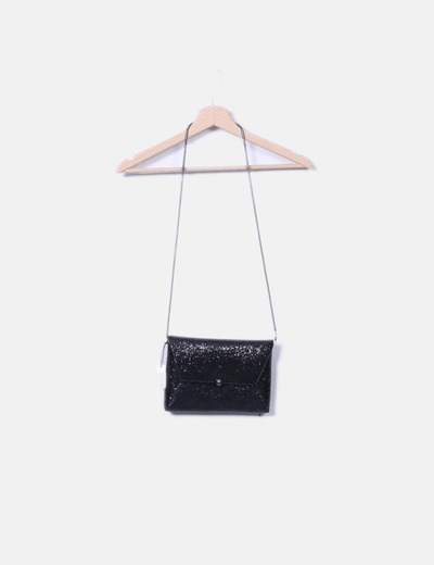 Bolso negro glitter con cadena Parfois
