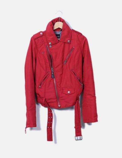Chaqueta impermeable roja