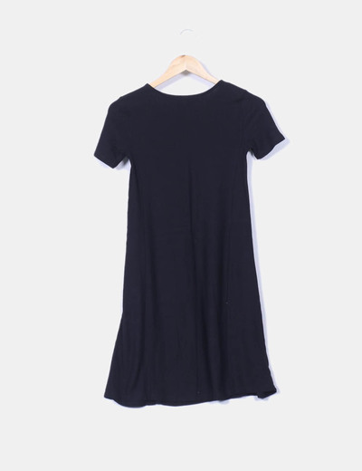 Vestido negro corto stradivarius