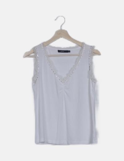 Camiseta blanca ribete lentejuelas