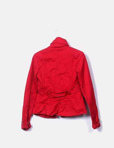 nuevo producto 8ca2d dea5f Chaqueta roja abotonada