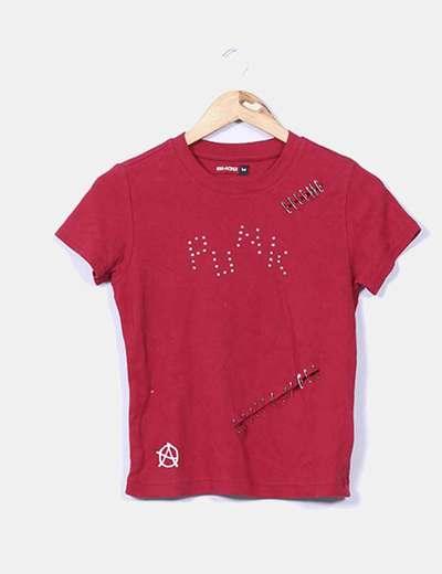 Camiseta roja detalles punk SMOG