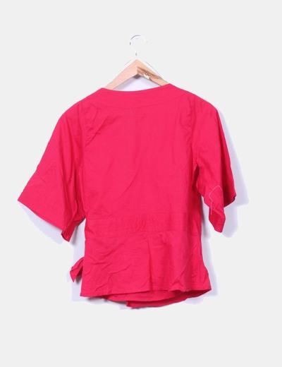Blusa cruzada color frambuesa