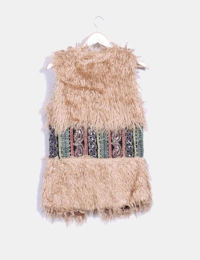 Chaleco etnico bordado con pelo de rizo