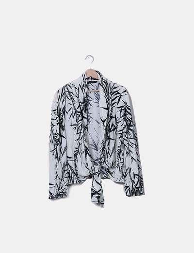 Kimono blanco con estampado de hojas