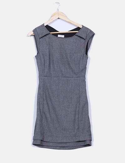 Vestido gris texturizado espalda semi descubierta  Pull&Bear