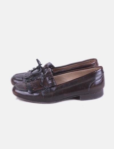 Zapato marrón con flecos