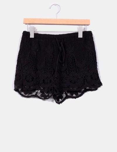 Short negro de crochet Oysho