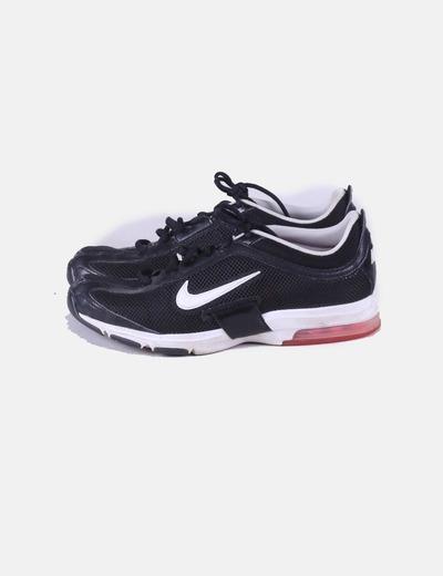 Deportiva negra y blanca Nike