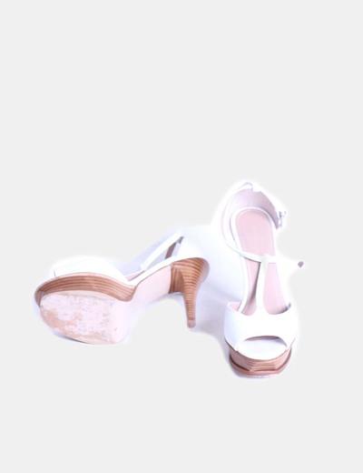 Zapato blanco peep toe