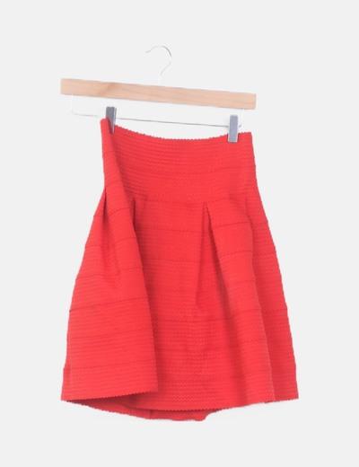 Mini falda roja texturizada