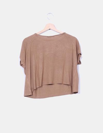 Crop top camel con crochet