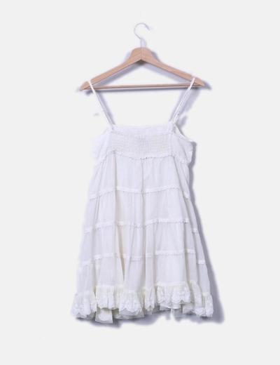 Vestido tirantes blanco combinado con crochet