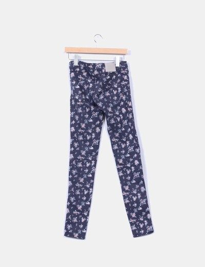 Pantalon pitillo con estampado floral