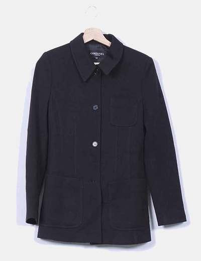 Abrigo negro con hombreras Cortefiel