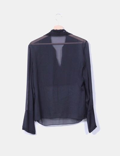 Blusa seda negra con pedreria
