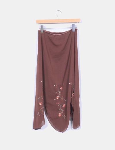 Falda marron con bordado floral