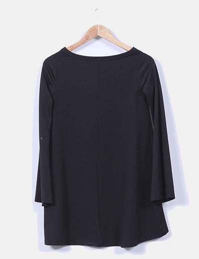 Vestido negro fluido manga larga