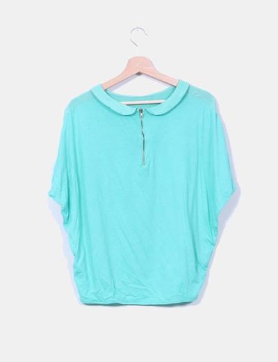 Blusa verde combinada con solapa