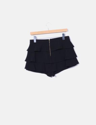 Shorts volantes negros