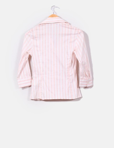 Camisa de rayas blanca y rosa pastel