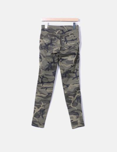 Pantalon estampado militar