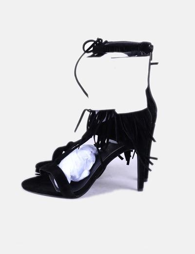 Sandales noires frangées NA-KD