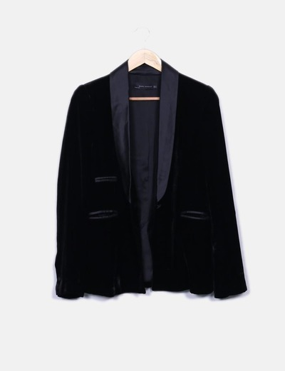 Esmoquin palazzo terciopelo negro Zara