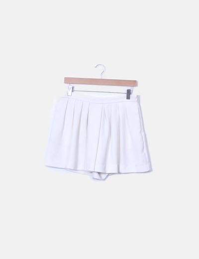 Falda pantalón blanca con vuelo