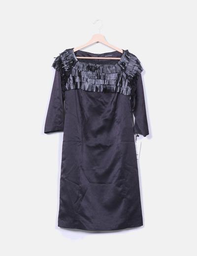 Robe noire décolleté simili cuir frangé de satin Marea