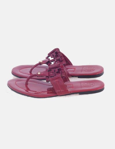 Sandalia plana acharolada roja