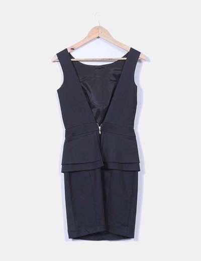 Vestido negro escote trasero