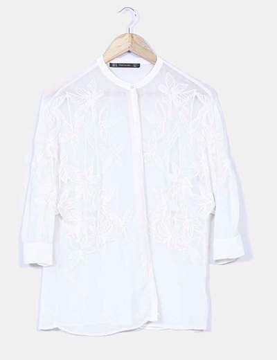 Camisa beige semitransparente detalles bordados Zara