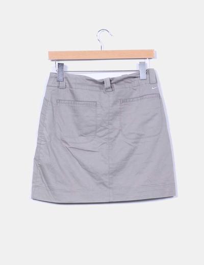 Falda gris deportiva
